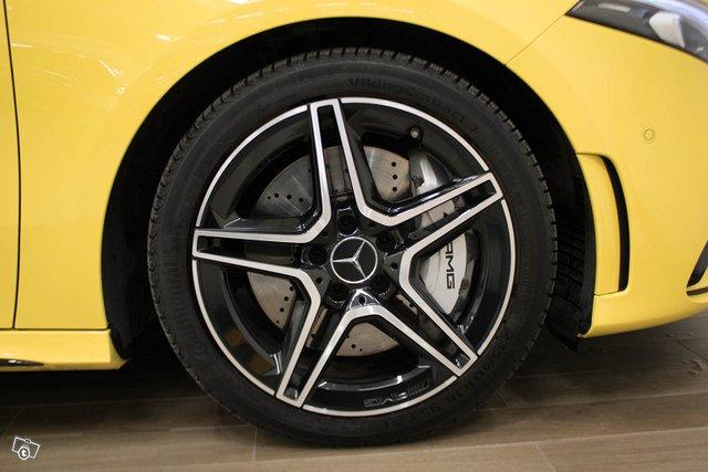 Mercedes-Benz A 35 AMG 7