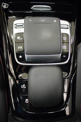Mercedes-Benz A 35 AMG 13