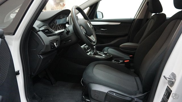 BMW 2-SARJA 4