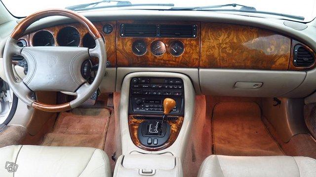 Jaguar XK 4