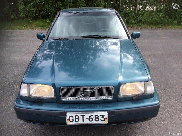 Volvo 440 2