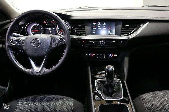 Opel Insignia 8