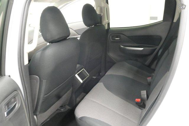 Mitsubishi L200 8