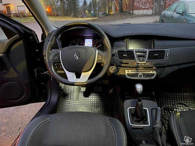 Renault Laguna 13
