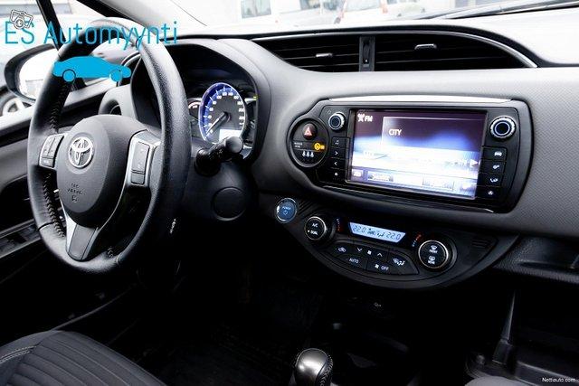 Toyota Yaris 14