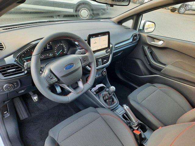 Ford Fiesta Van 3