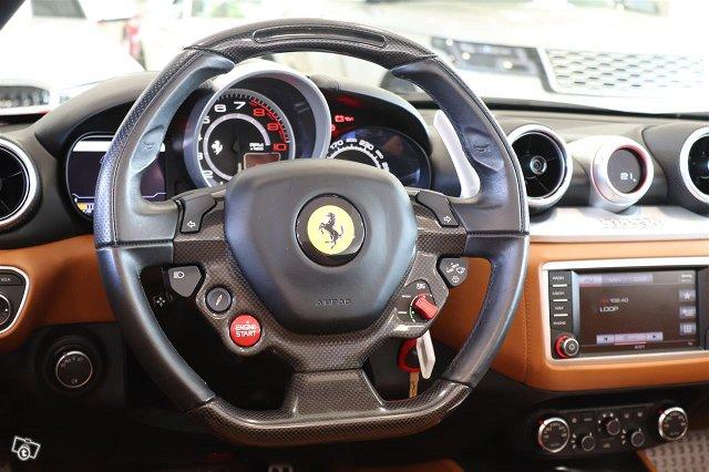 Ferrari California 13