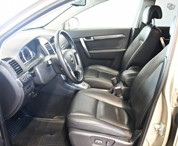 Chevrolet Captiva 9