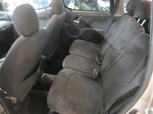 Toyota Yaris Verso 10