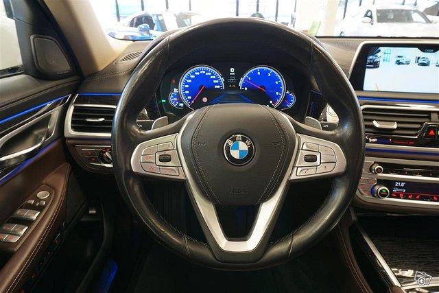 BMW 750 11