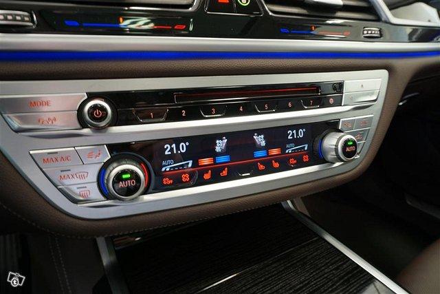 BMW 750 12