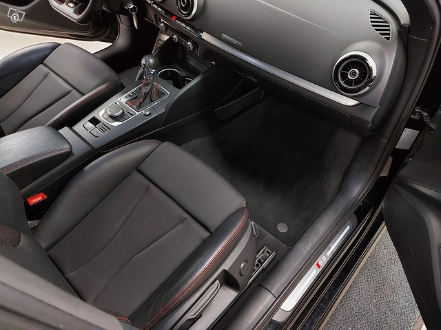 Audi S3 Sportback 11