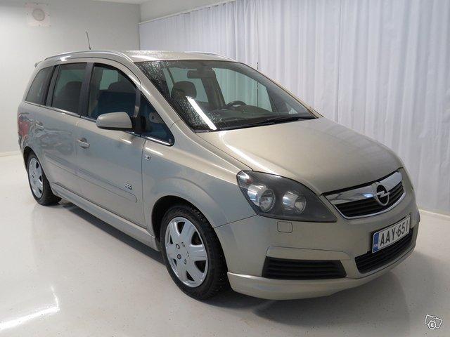 Opel Zafira 4
