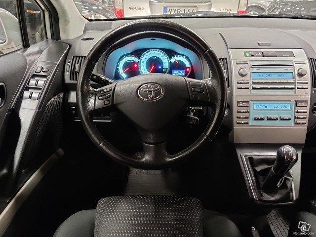 Toyota Corolla Verso 9