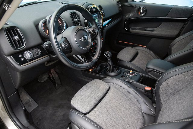 MINI Countryman 10