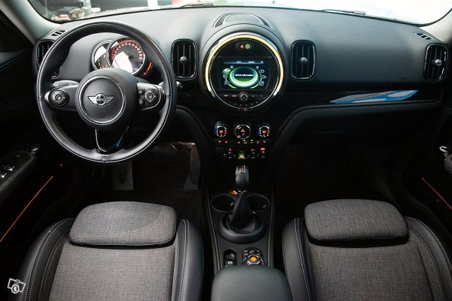 MINI Countryman 11