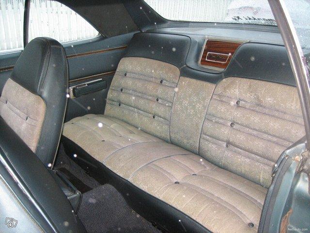 Chrysler New Yorker 4