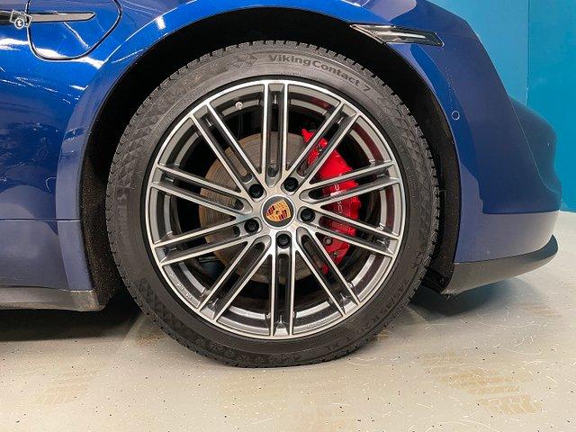 Porsche TAYCAN 23