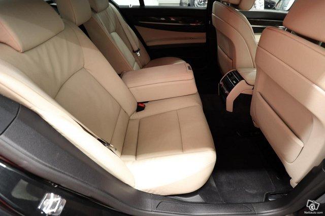 BMW 730 11