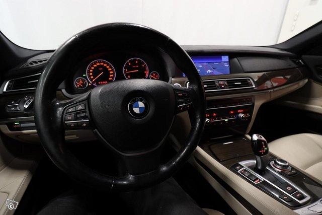 BMW 730 13