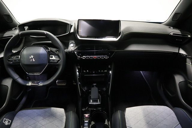 Peugeot E-2008 9