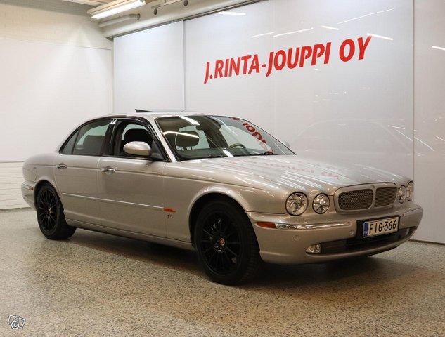 Jaguar XJR 2