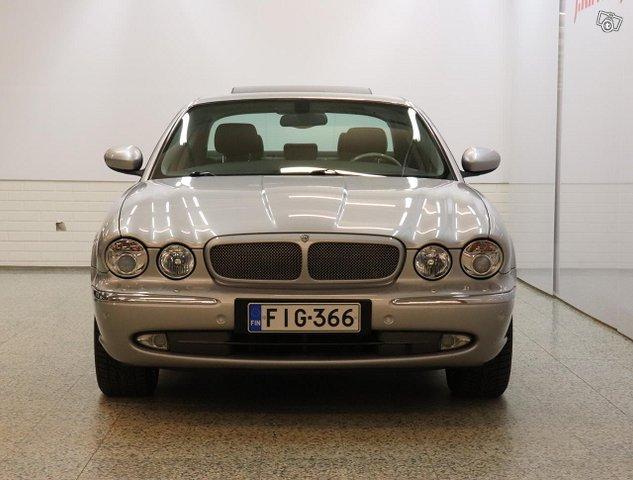 Jaguar XJR 3