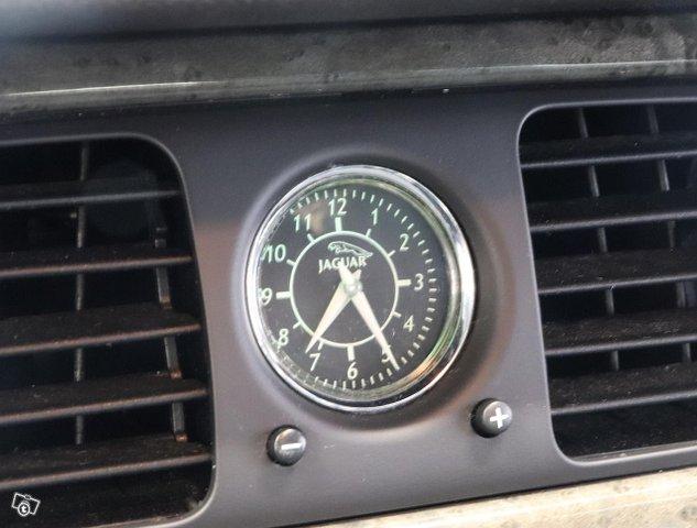 Jaguar XJR 13