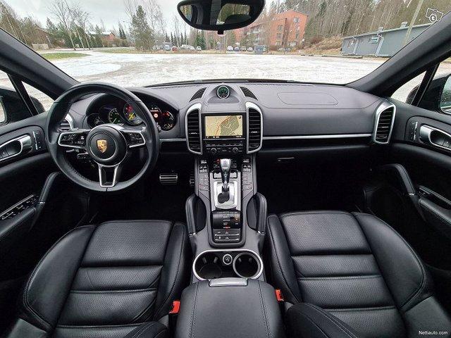 Porsche Cayenne 19