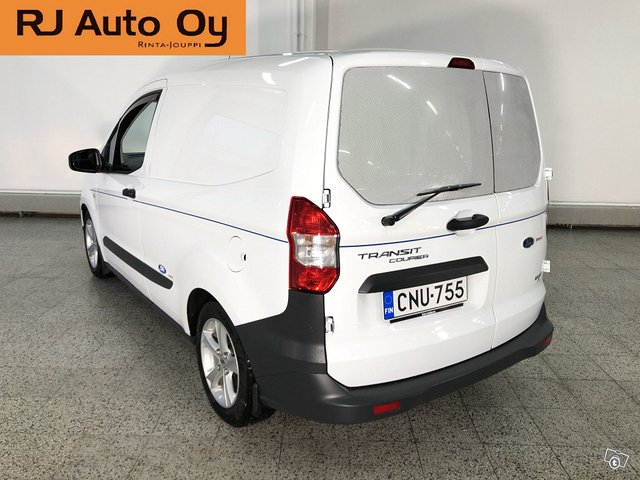 Ford Transit Courier 3