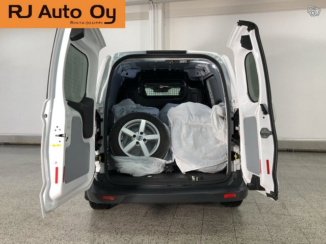 Ford Transit Courier 10