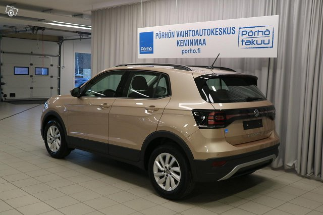 VOLKSWAGEN T-CROSS 3