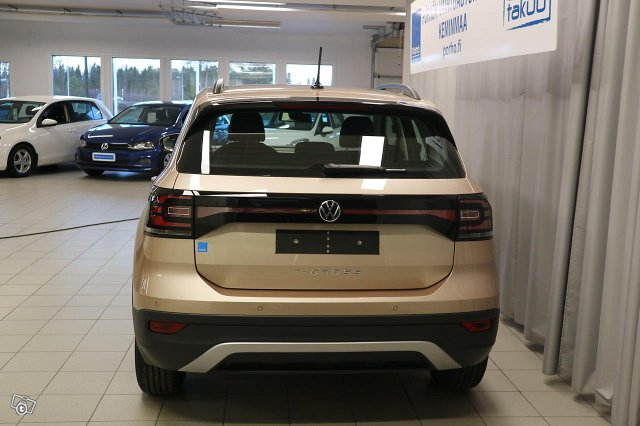 VOLKSWAGEN T-CROSS 4