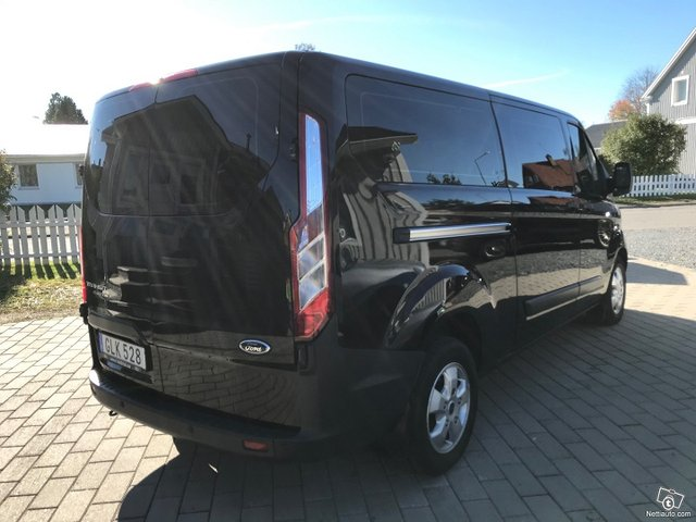 Ford Tourneo Custom 8