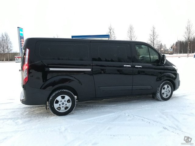 Ford Tourneo Custom 11