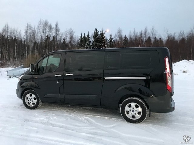 Ford Tourneo Custom 23
