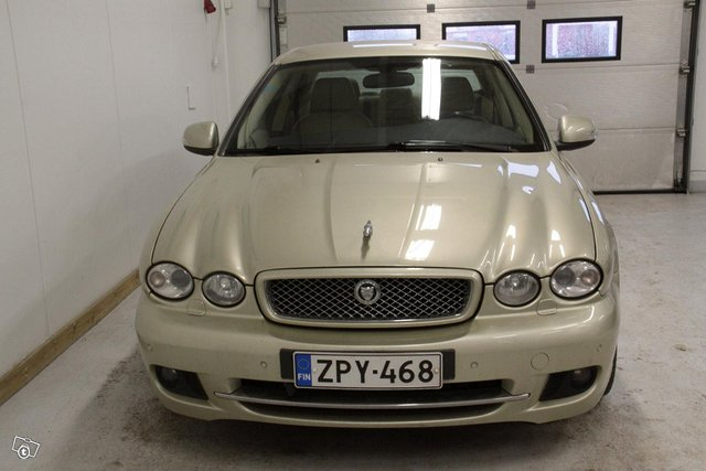 Jaguar X-type 2