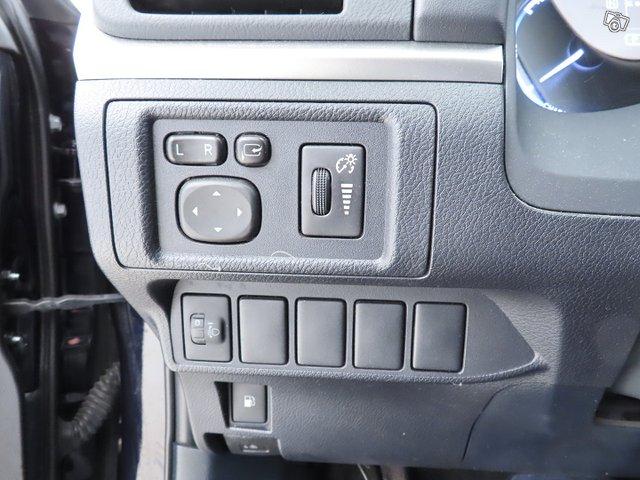 Lexus CT 23
