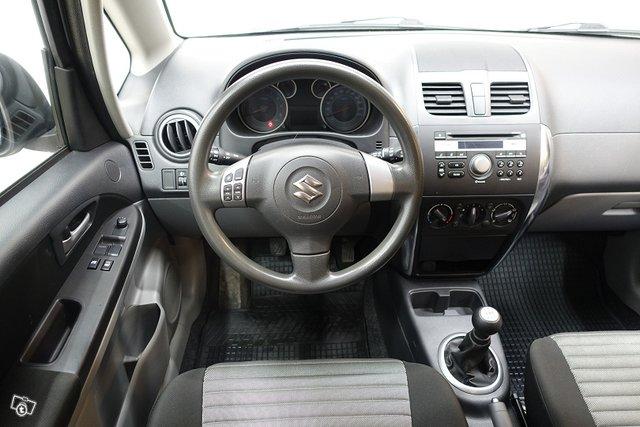 Suzuki SX4 13