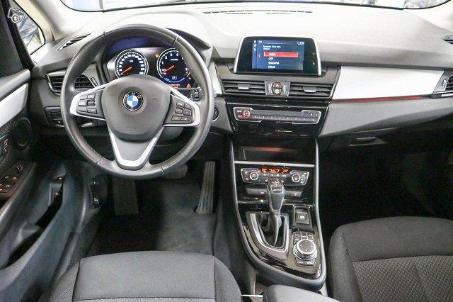 BMW 225 8
