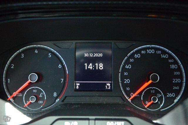 Volkswagen T-Cross 8