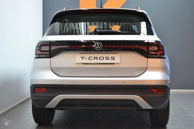 Volkswagen T-Cross 12