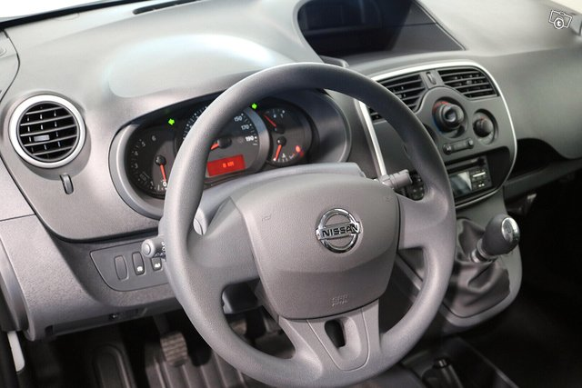 Nissan NV250 7