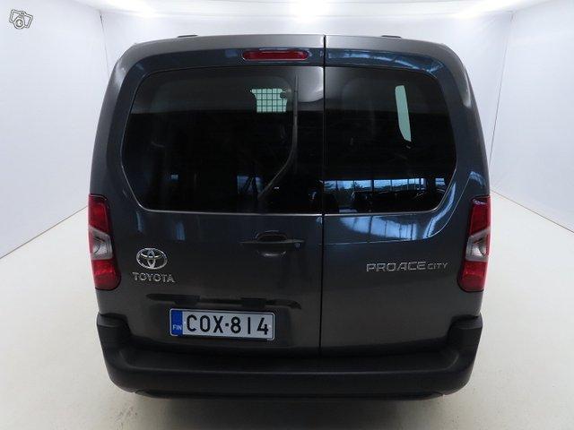Toyota Proace CITY 5