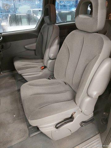 Chrysler Grand Voyager 12
