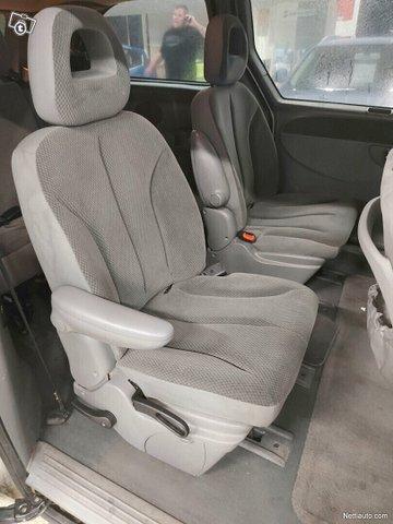 Chrysler Grand Voyager 13