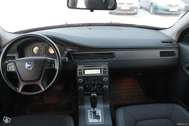 Volvo V70 12