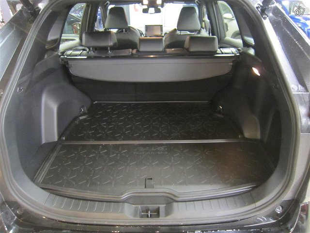 Toyota RAV4 Plug-in 15