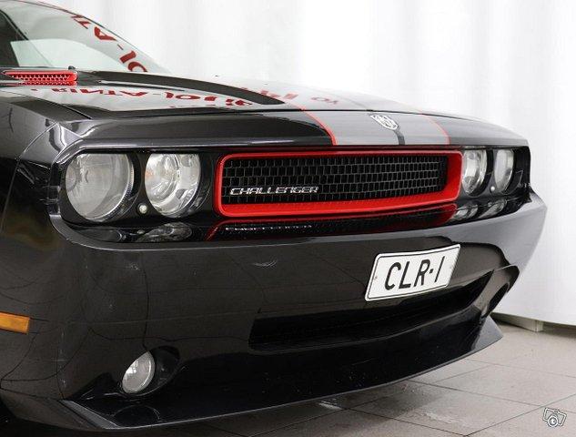 Dodge Challenger 14