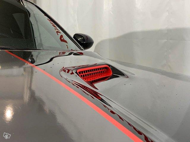 Dodge Challenger 18